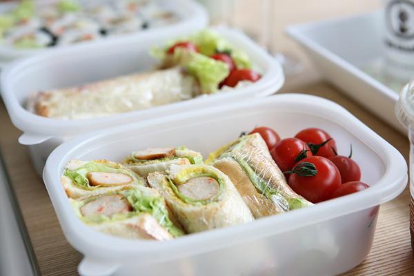 3 bonnes raisons d'emmener son déjeuner au travail - traiteurs.fr